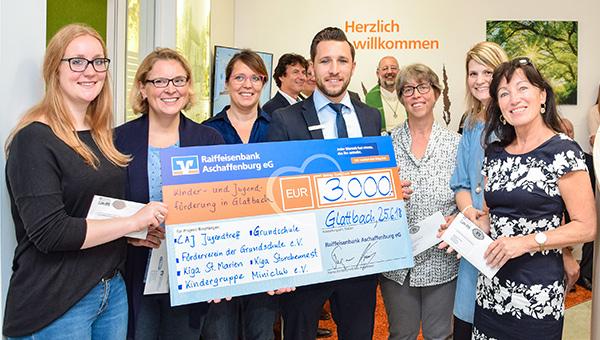 Spendenübergabe Kinder- und Jugendförderung Glattbach