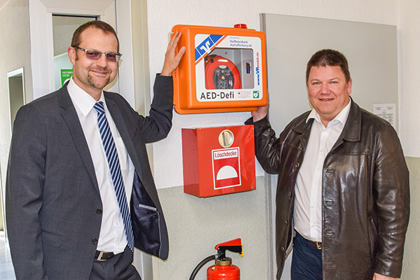 Übergabe Defibrillator Gemeinde Niedernberg