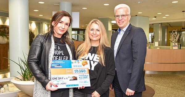 Raiffeisenbank Aschaffenburg eG überreicht Spende in Höhe von 10.350 Euro